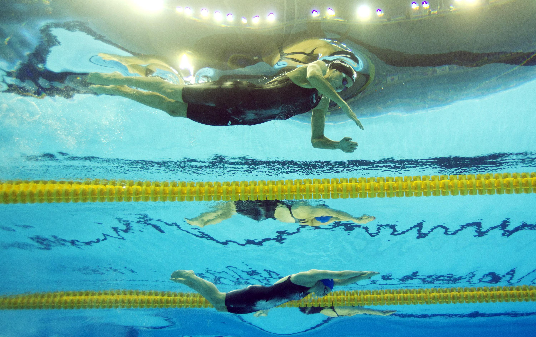 úszás merevedése)