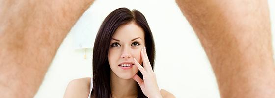 pénisz egy nő előtt