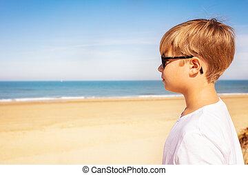fénykép pufók a tengerparton