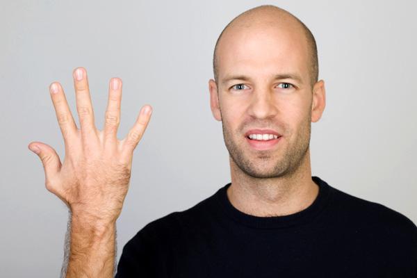 Van összefüggés az orr méret és a pénisz mérete között? :D