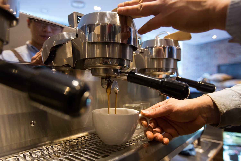 Meglepő! Így hat a férfiak erekciójára a reggeli kávé