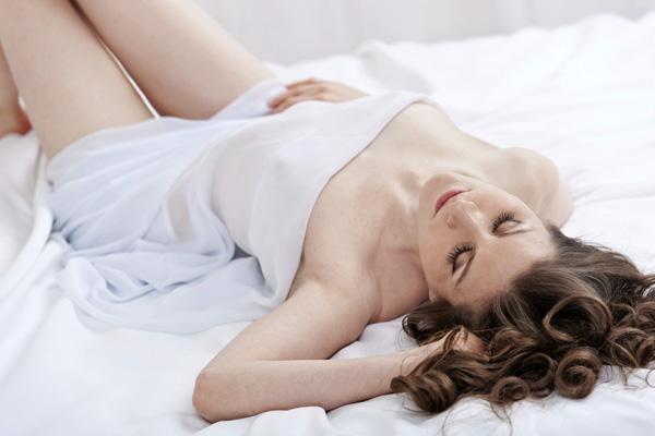 hogyan lehet ágyban, ha egy kis pénisz)