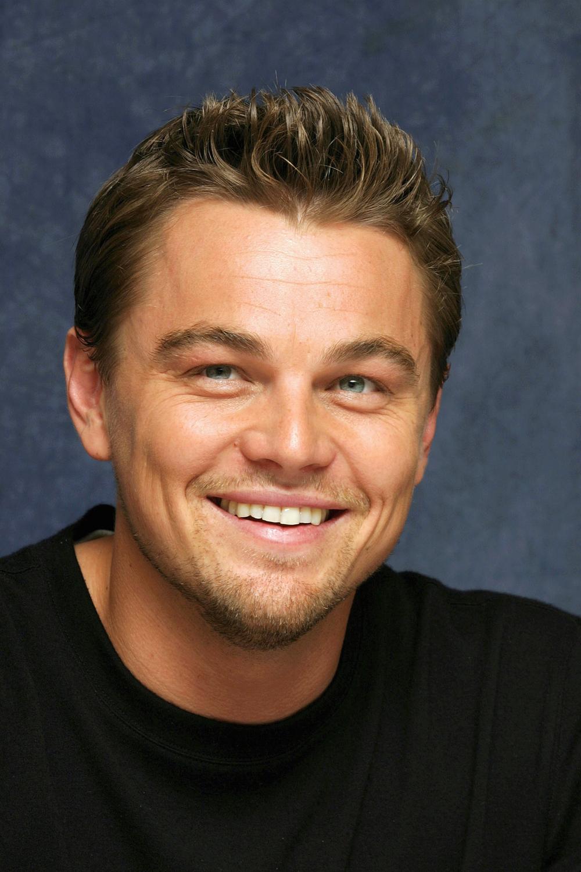 El sem hisszük! Leonardo DiCaprio cipekedni is hajlandó volt barátnője kedvéért