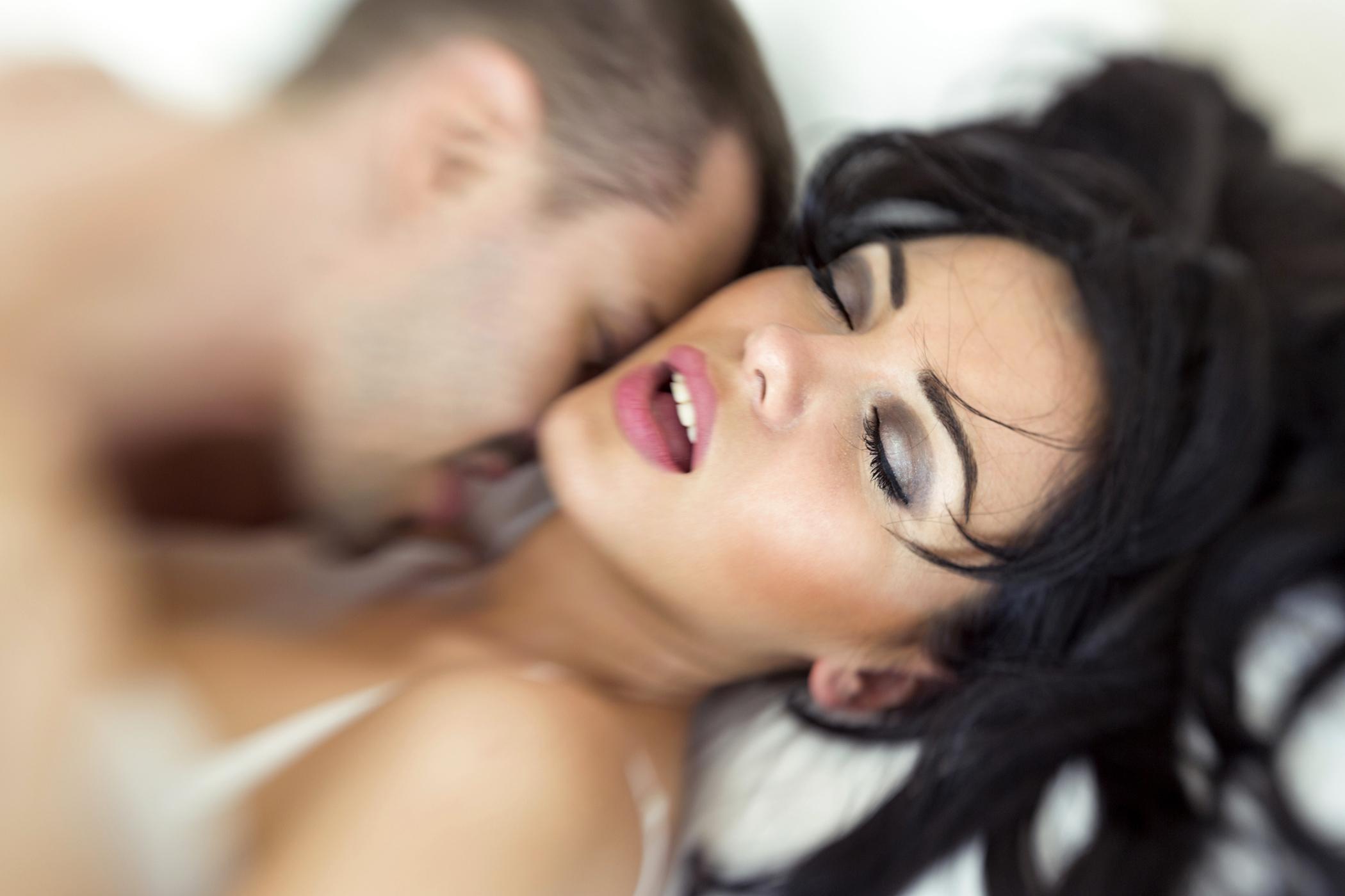 meddig elégíti ki a pénisz egy nőt erekció gyógynövényekkel