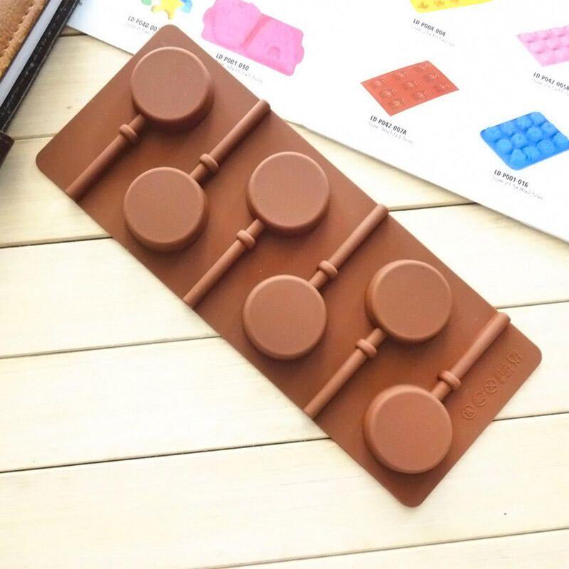 csokoládé pénisz figurák