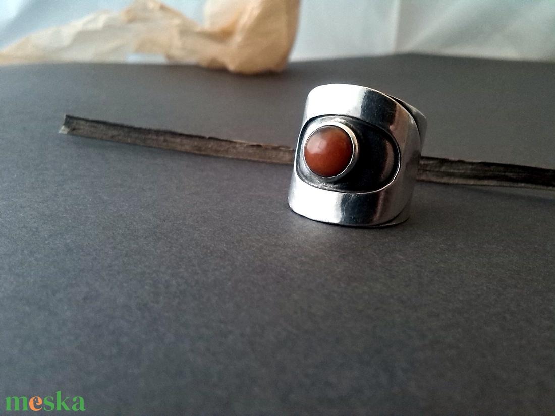 kakas gyűrű